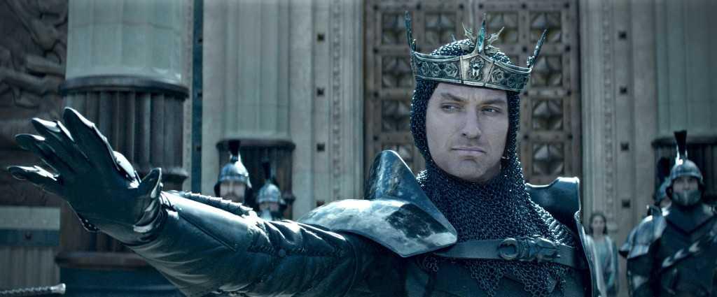 king-arthur-legend-of-the-sword-jude-law1