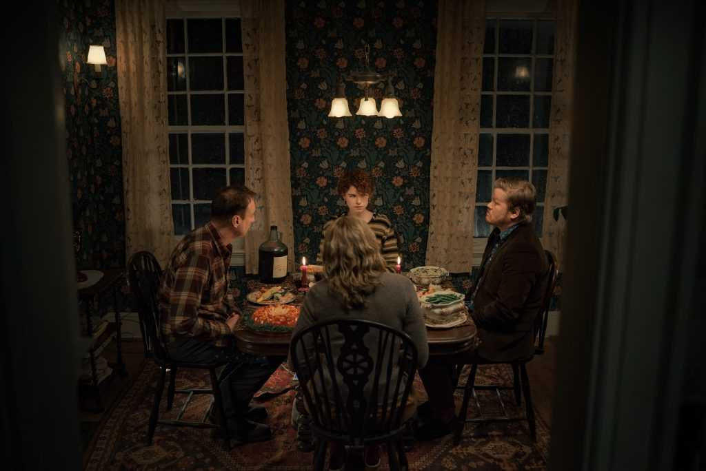 Im Thinking Of Ending Things. David Thewlis as Father, Jessie Buckley as Young Woman, Toni Collette as Mother, Jesse Plemons as Jake in Im Thinking Of Ending Things.