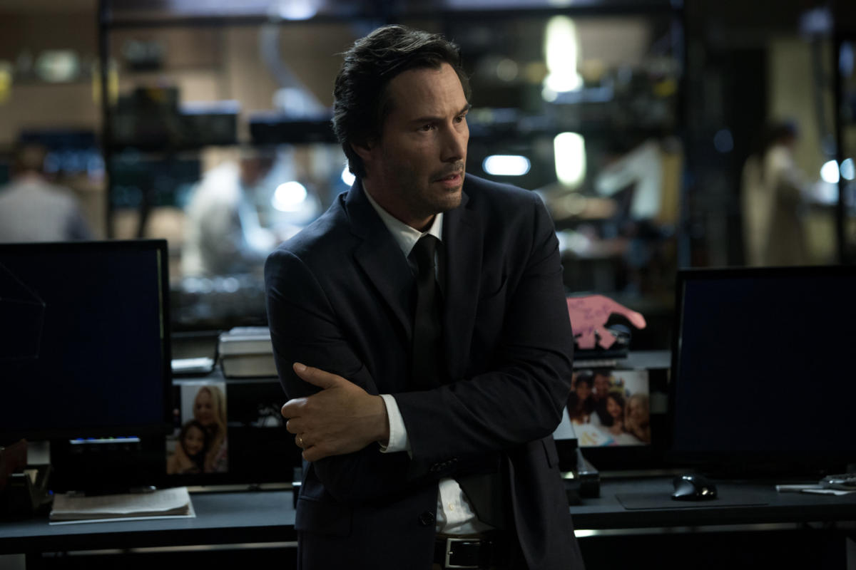 Keanu Reeves in REPLICAS (Lionsgate UK) (03)